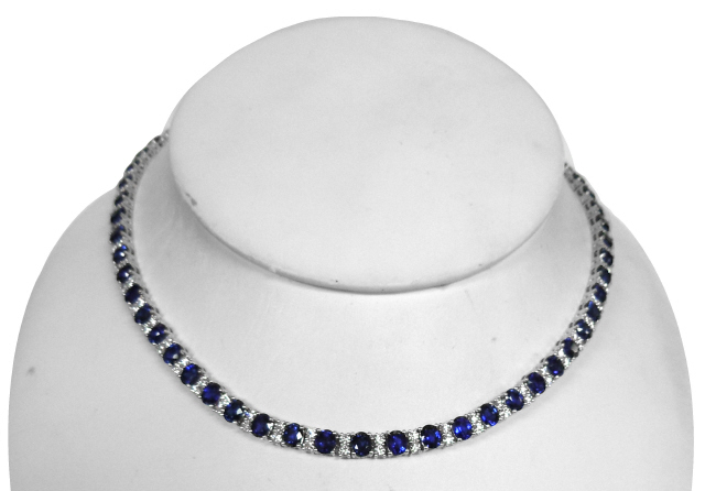 18kt white gold oval apphire and diamond necklace